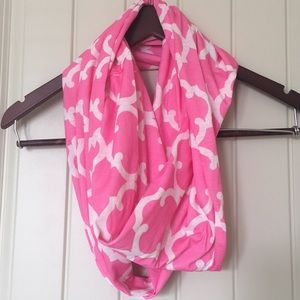 Accessories - 2 FOR $10 NEVER WORN Women's  Infinity Scarf